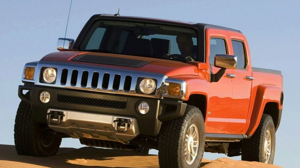 2008 Hummer H3T front three quarter view