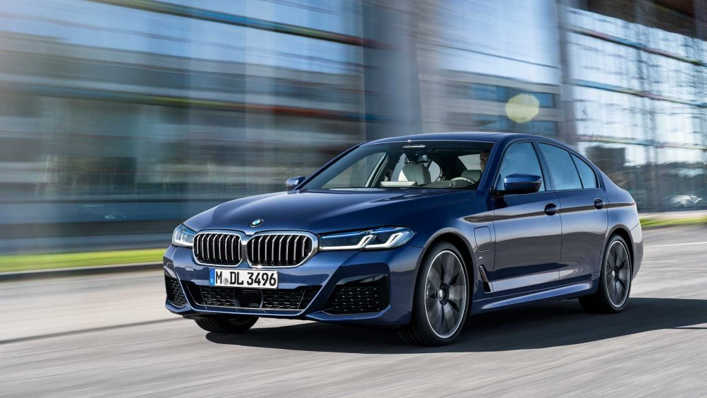 2021 BMW 5 Series Hybrid front