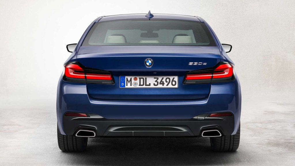 2021 BMW 5 Series Hybrid rear bumper tailgate