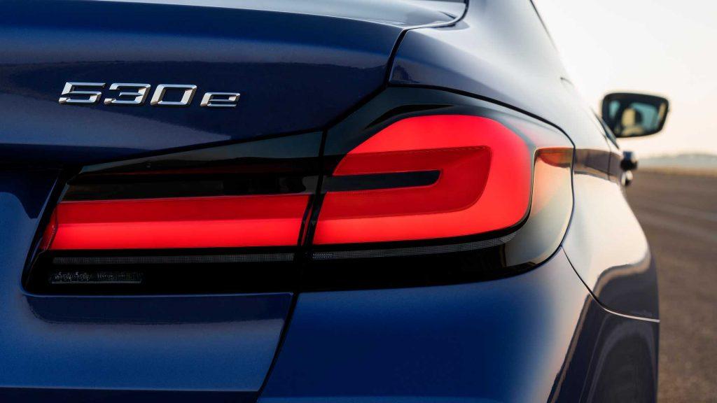 2021 BMW 5 Series Hybrid taillamp