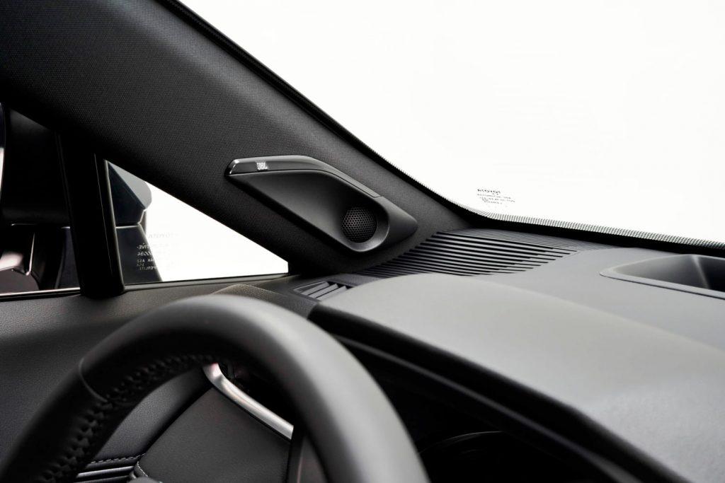 2021 Toyota Venza JBL sound system