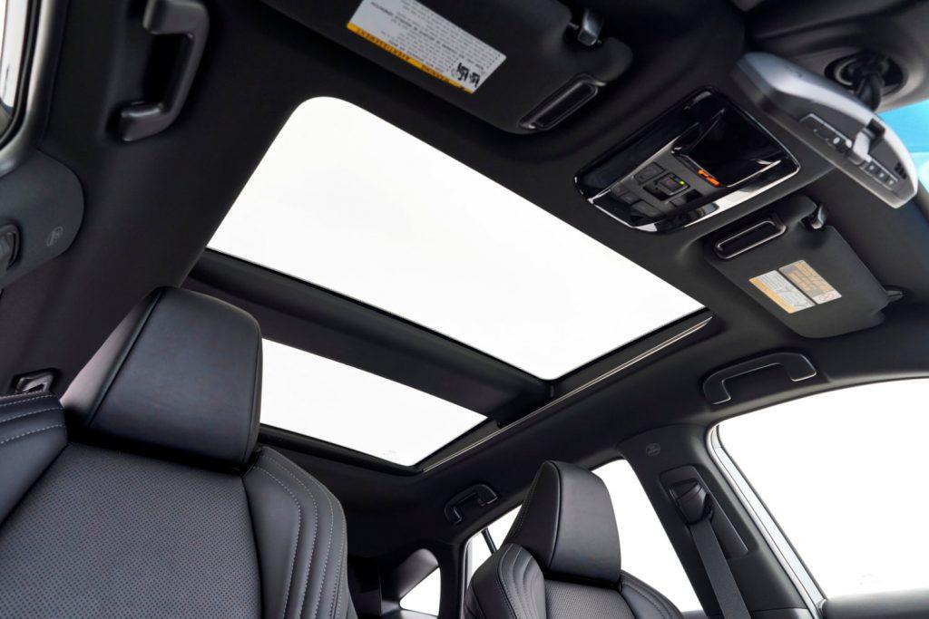 2021 Toyota Venza panoramic sunroof