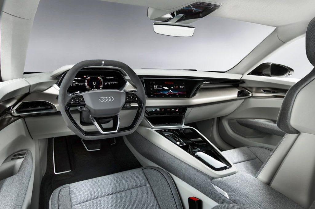 Audi e-tron GT Concept dashboard