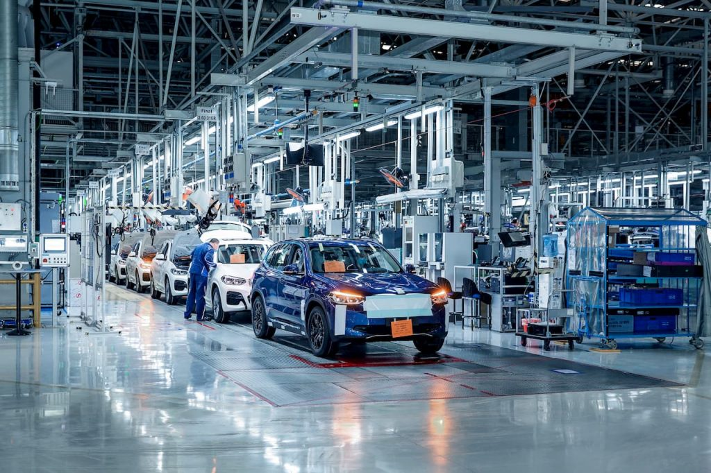 BMW X3 electric car China production line