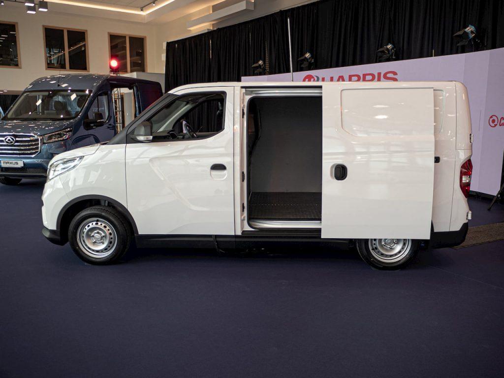 Maxus E Deliver 3 electric van sliding door