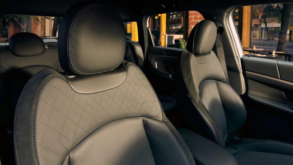 Mini Countryman Plug-In Hybrid front seats