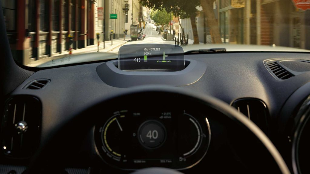 Mini Countryman Plug-In Hybrid head-up display