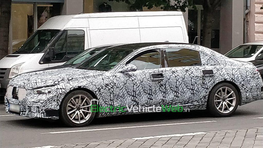 New-gen Mercedes-Benz S-Class spied in Prague side view 02