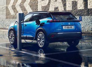 Peugeot e-2008 charging