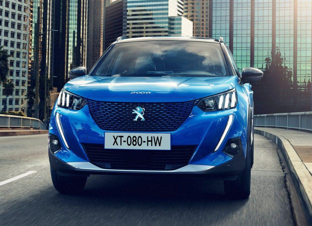 Peugeot e-2008 front view