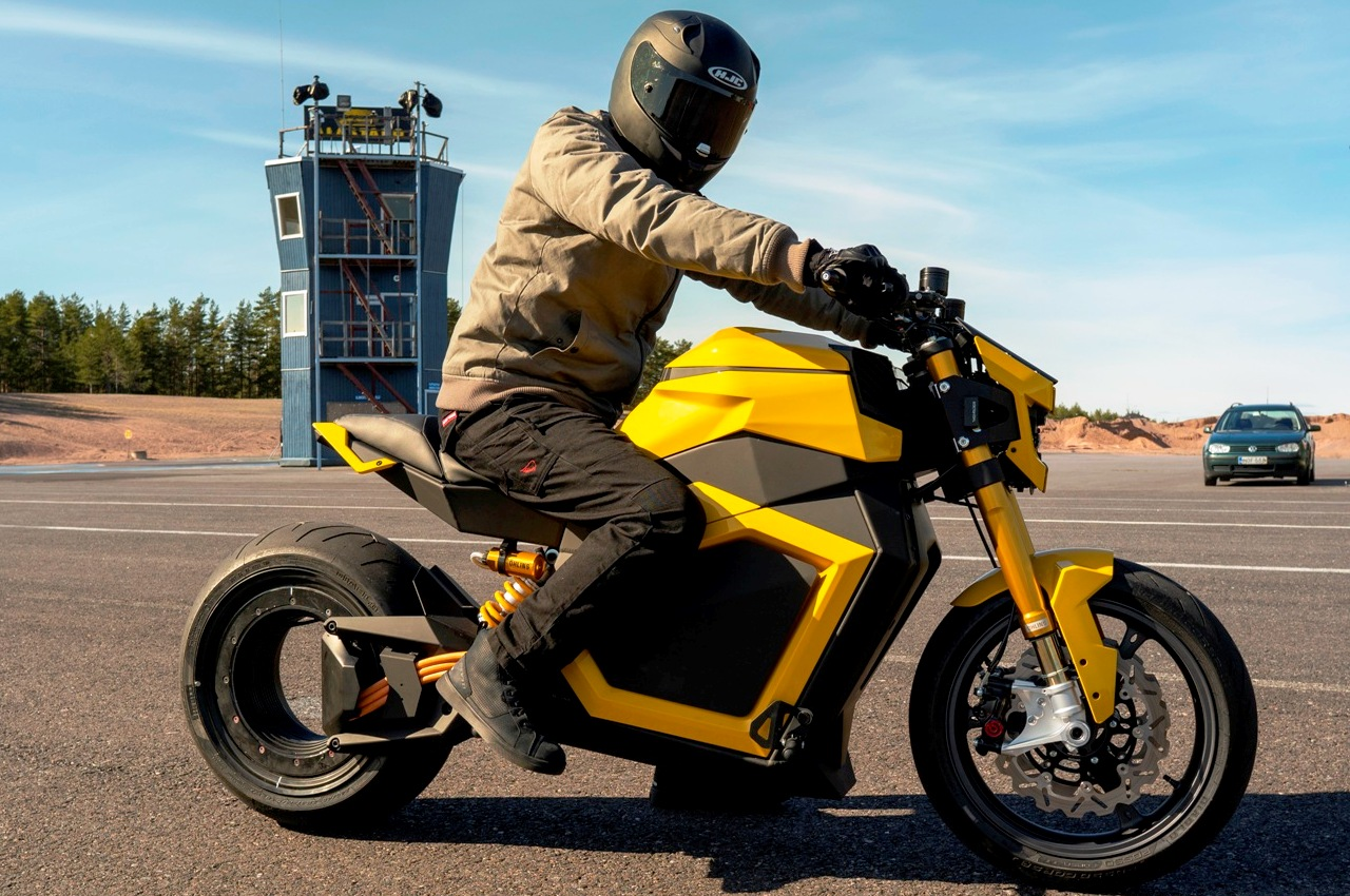 Verge TS electric motorcycle side view yellow
