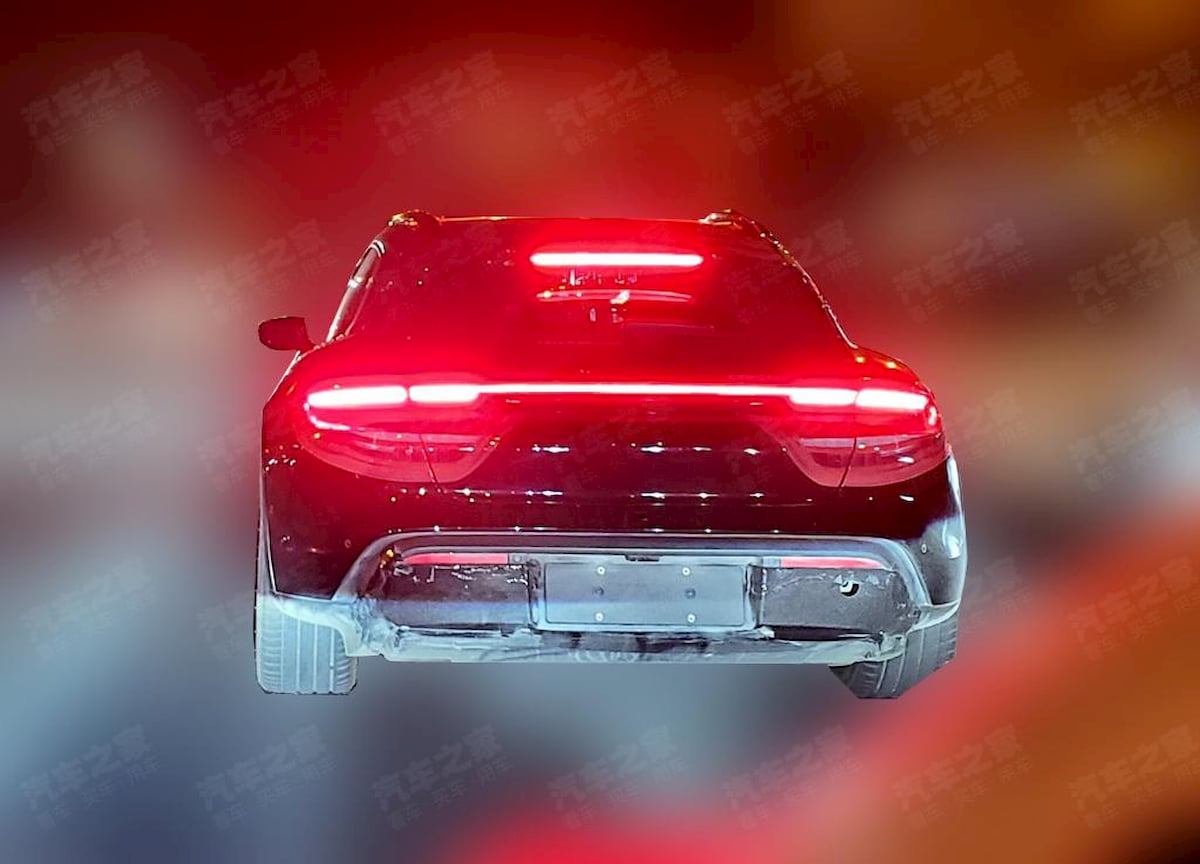 Porsche Taycan Cross Turismo rear spy shot
