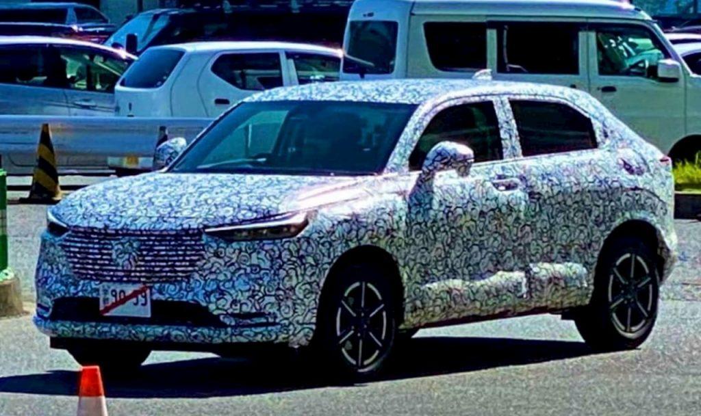 2021 Honda HRV Vezel front quarters spy shot