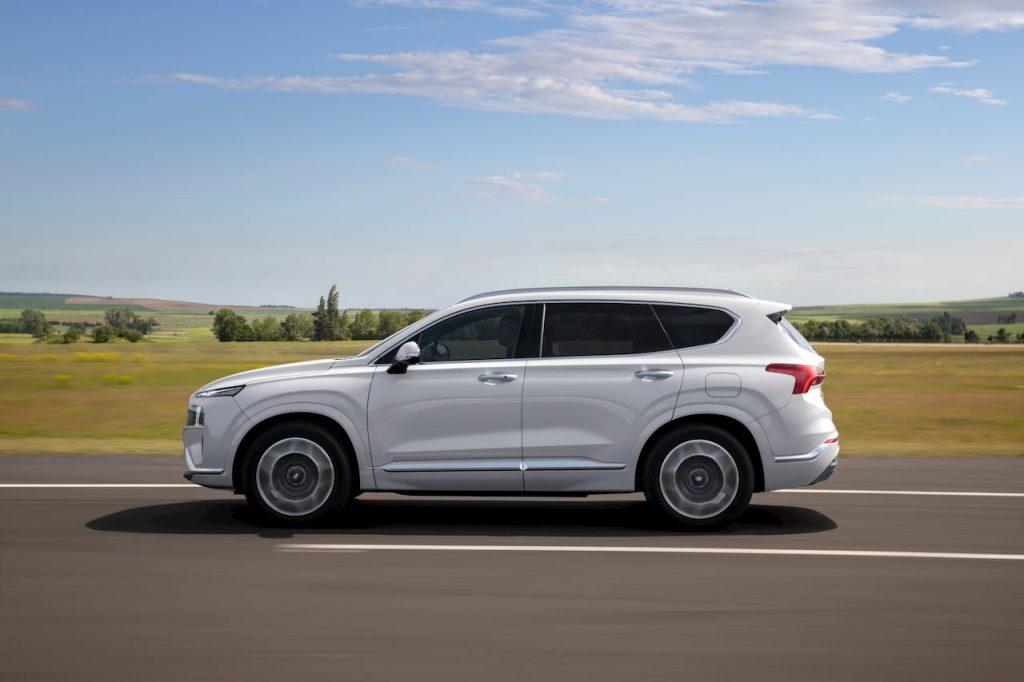 2021 Hyundai Santa Fe Hybrid side