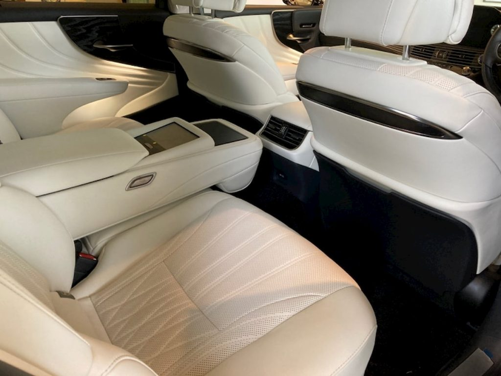 2021 Lexus LS 500h hybrid facelift rear seats