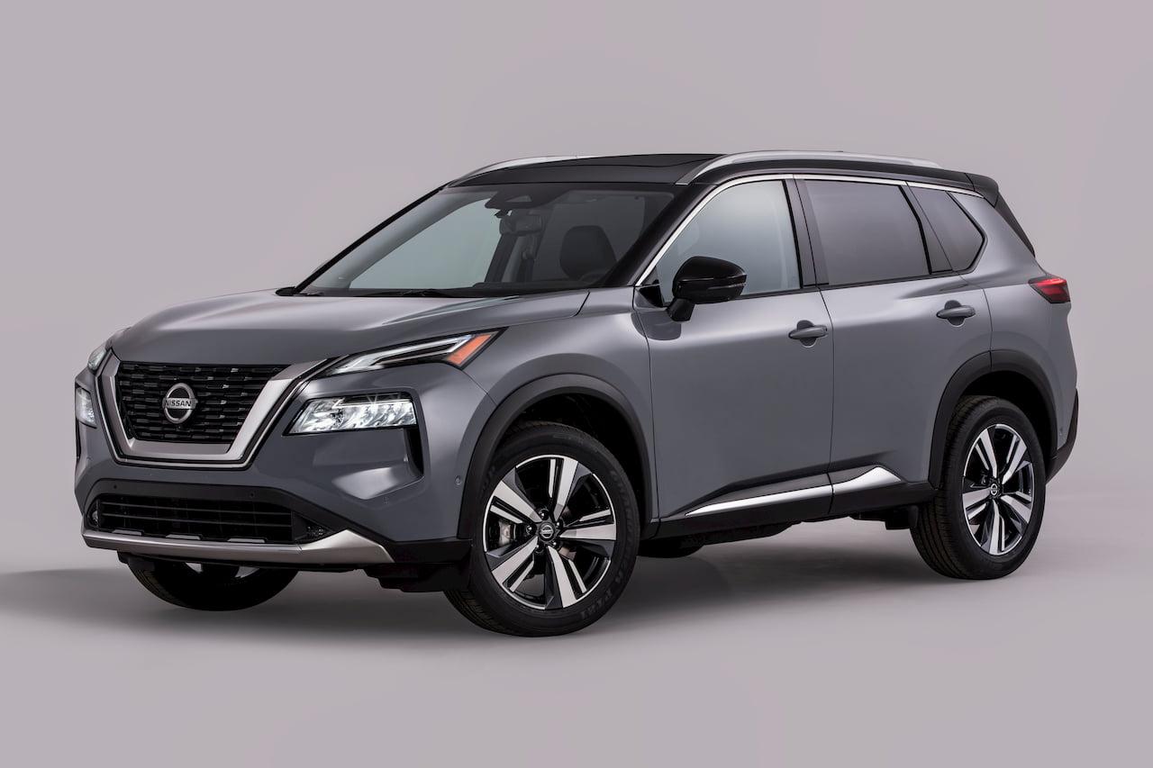 2021 Nissan Rogue (2021 Nissan X-Trail) front quarters