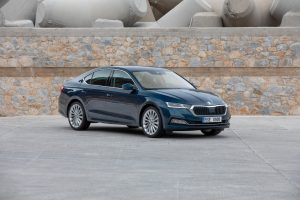 2021 Skoda Octavia front three quarters official image