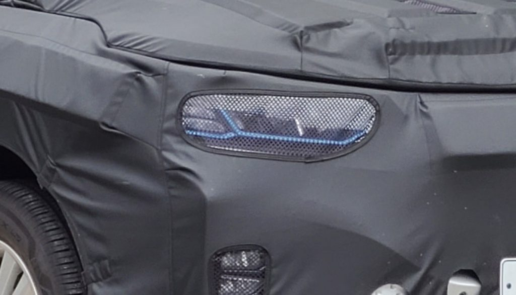 Headlamp of the Ssangyong E100 electric SUV