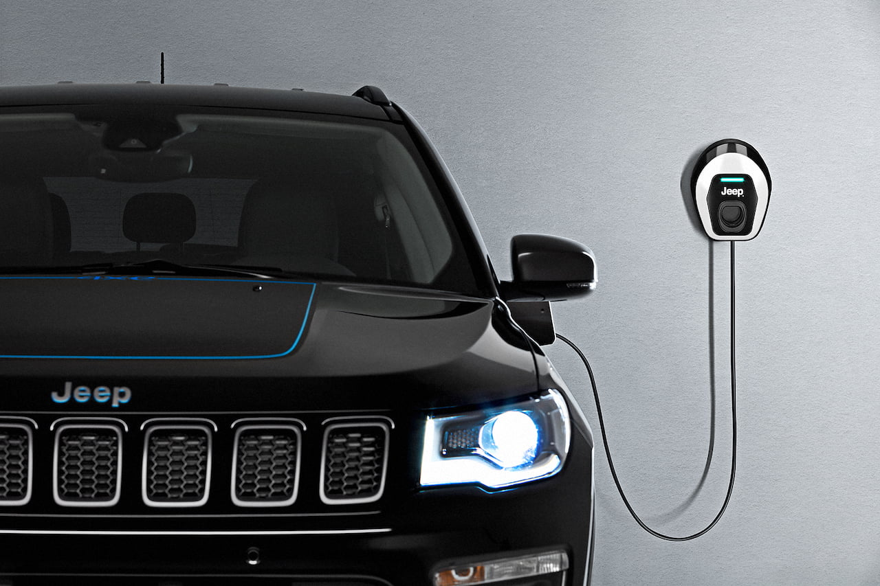 Jeep Compass 4xe plug-in hybrd easyWallbox