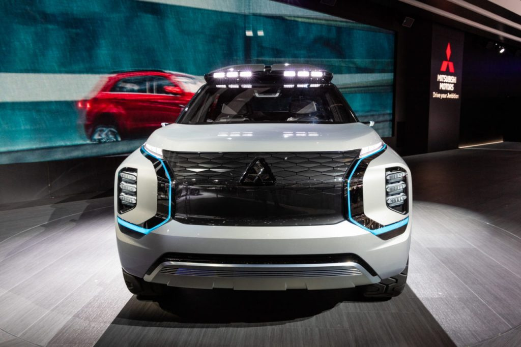 Mitsubishi Engelberg Tourer front Geneva