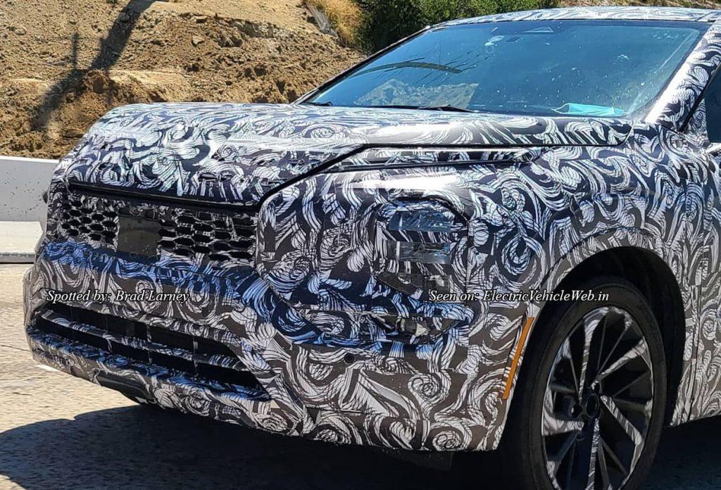 Next-gen 2021 Mitsubishi Outlander front fascia spy shot