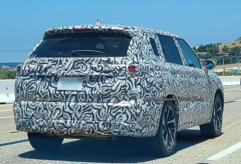 Next-gen 2021 Mitsubishi Outlander rear quarters spy shot