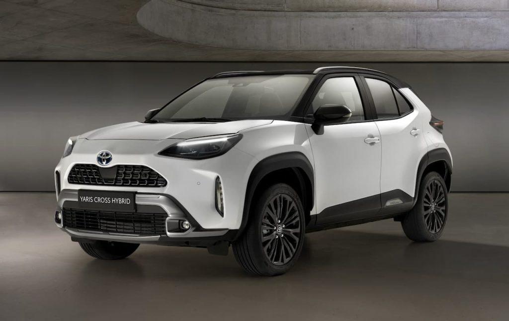 Toyota Yaris Cross Hybrid front three quarter