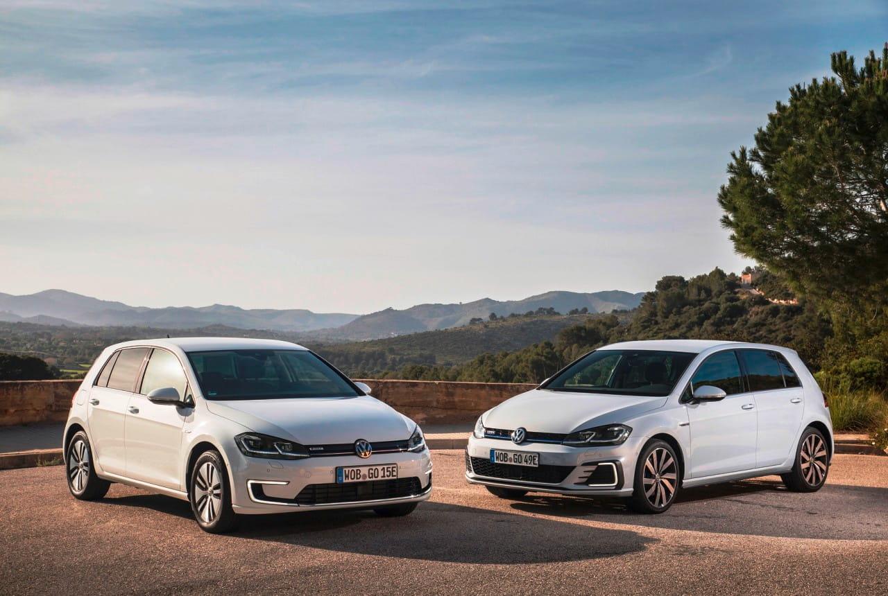 Volkswagen e-Golf front quarter view 02