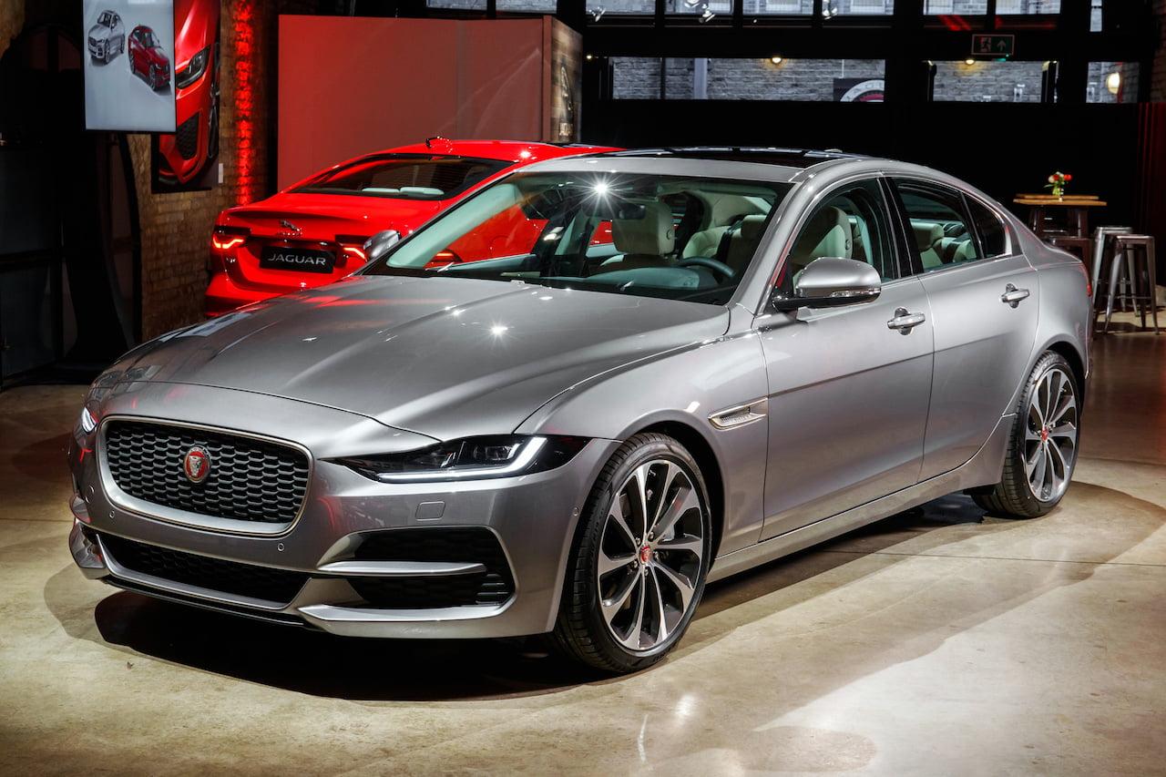 2020 Jaguar XE facelift front quarters