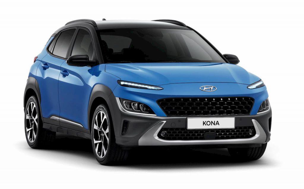 2021 Hyundai Kona facelift blue front quarters