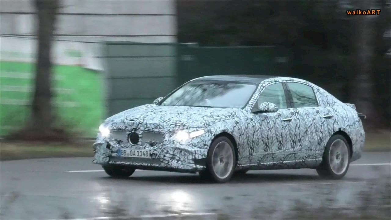2021 Mercedes C-Class W206 front quarters spy shot