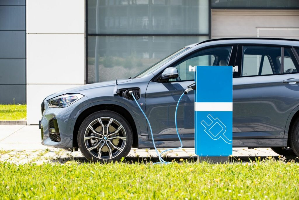 BMW X1 PHEV charging