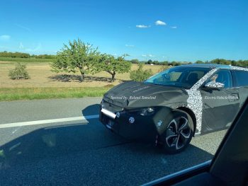 Kia Imagine (Kia CV) could have a Porsche 'Taycan' in a drag race