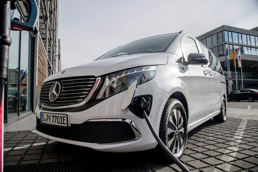 Mercedes EQV charging
