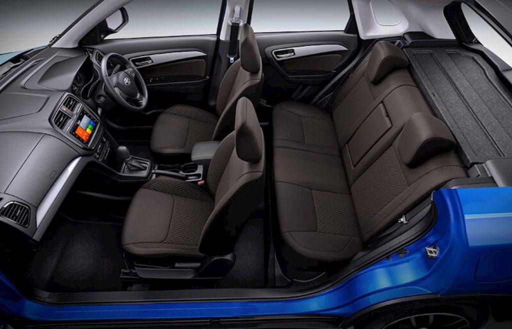 Toyota Urban Cruiser interior cabin