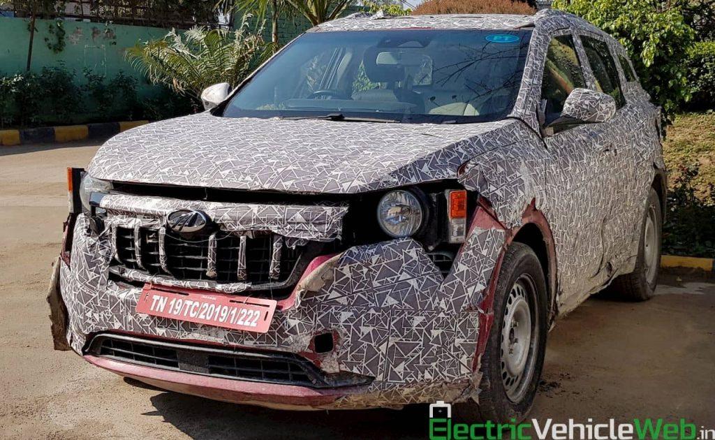2021 Mahindra XUV500 W601 front quarters spy shot