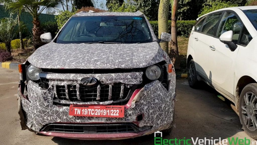 2021 Mahindra XUV500 W601 front spied