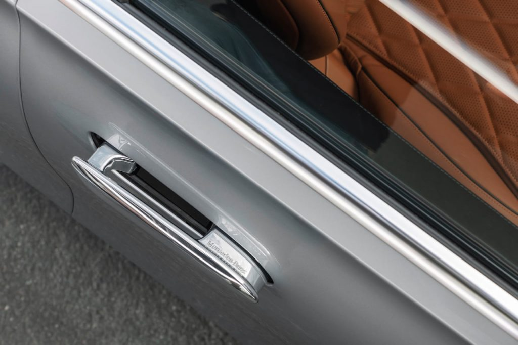 2021 Mercedes S-Class flush door handle