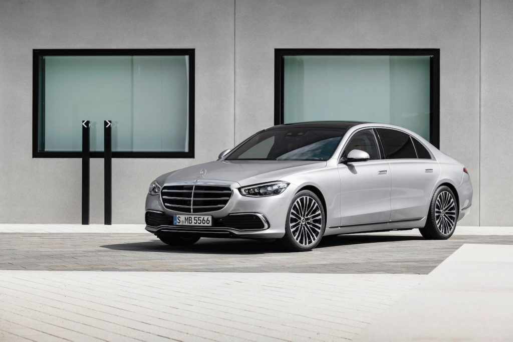 2021 Mercedes S-Class front three quarters