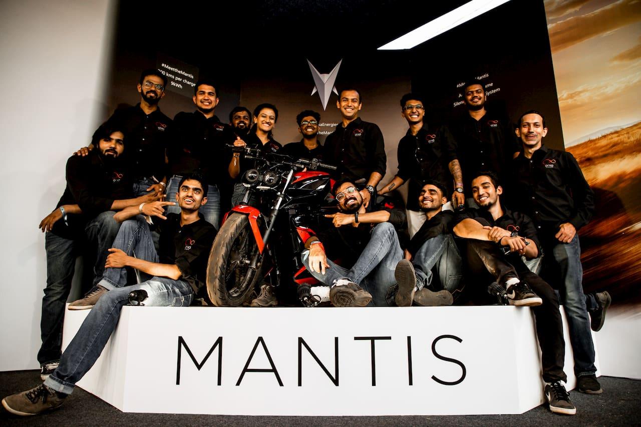 Orxa Mantis with the team