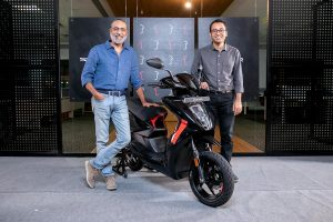 Ravneet Singh Phokela, CBO and Tarun Mehta, CEO & Co-founder Ather Energy with Series 1, collector's edition of Ather 450X