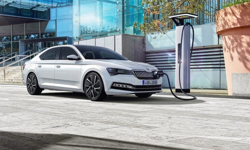 Skoda Superb iV PHEV plug-in hybrid charging