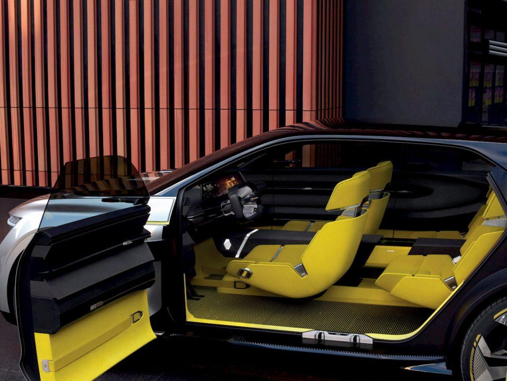 2020 Renault Morphoz concept interior