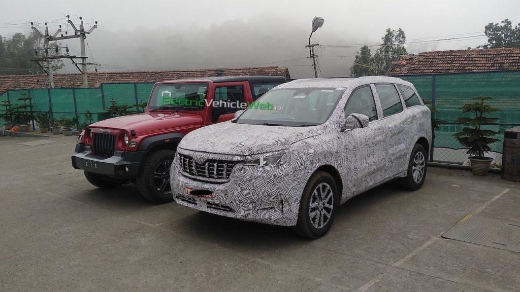 2021 Mahindra XUV500 vs. Mahindra Thar front quarters