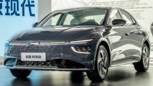 2021 Hyundai Mistra EV front quarters 2020 Guangzhou Auto Show