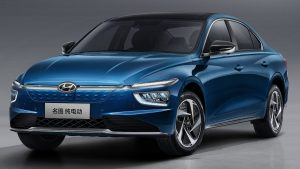 2021 Hyundai Mistra EV front three quarters