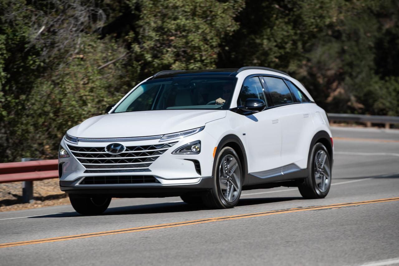 Hyundai Nexo hydrogen FCEV front three quarters