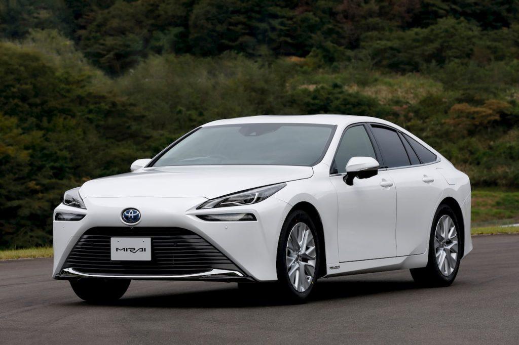 2021 Toyota Mirai front quarters drive