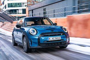 2022 Mini Cooper SE electric front