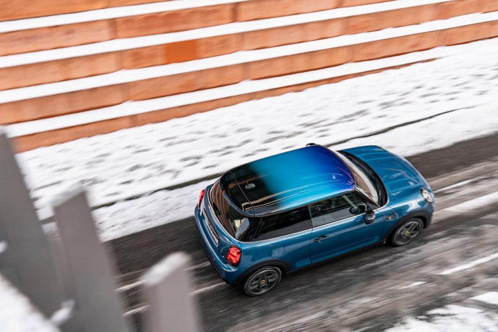 2022 Mini Cooper SE electric roof